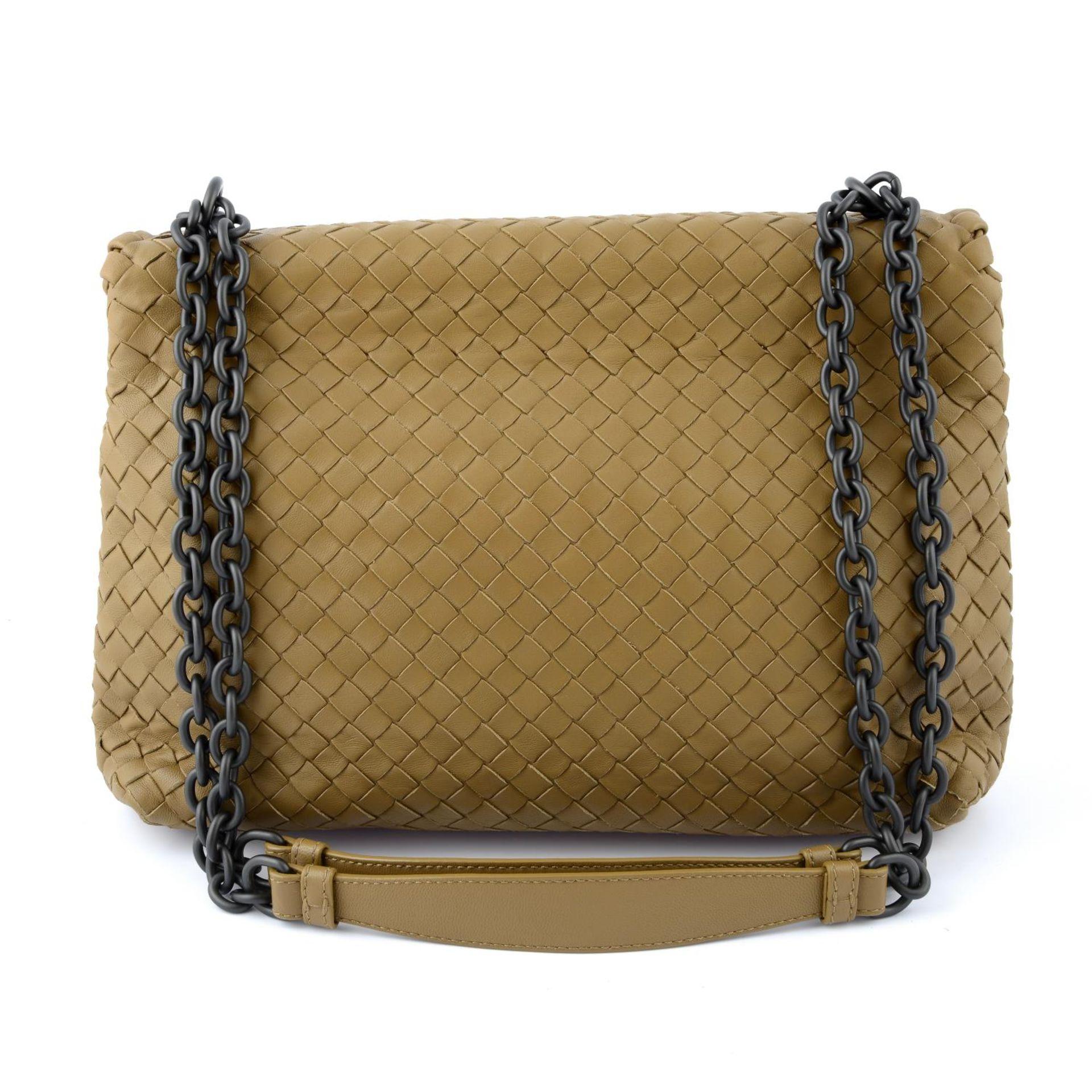 BOTTEGA VENETA - a fold over Intrecciato handbag. - Image 2 of 5