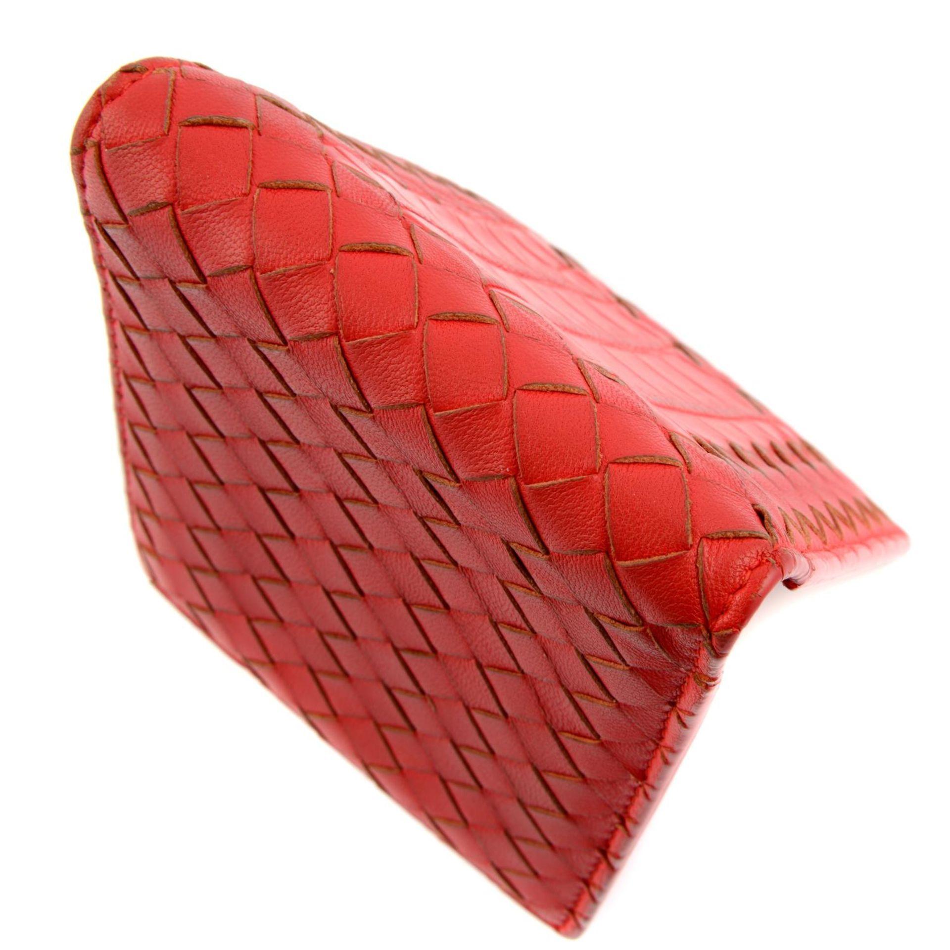BOTTEGA VENETA - an Intrecciato leather bifold wallet. - Image 4 of 4