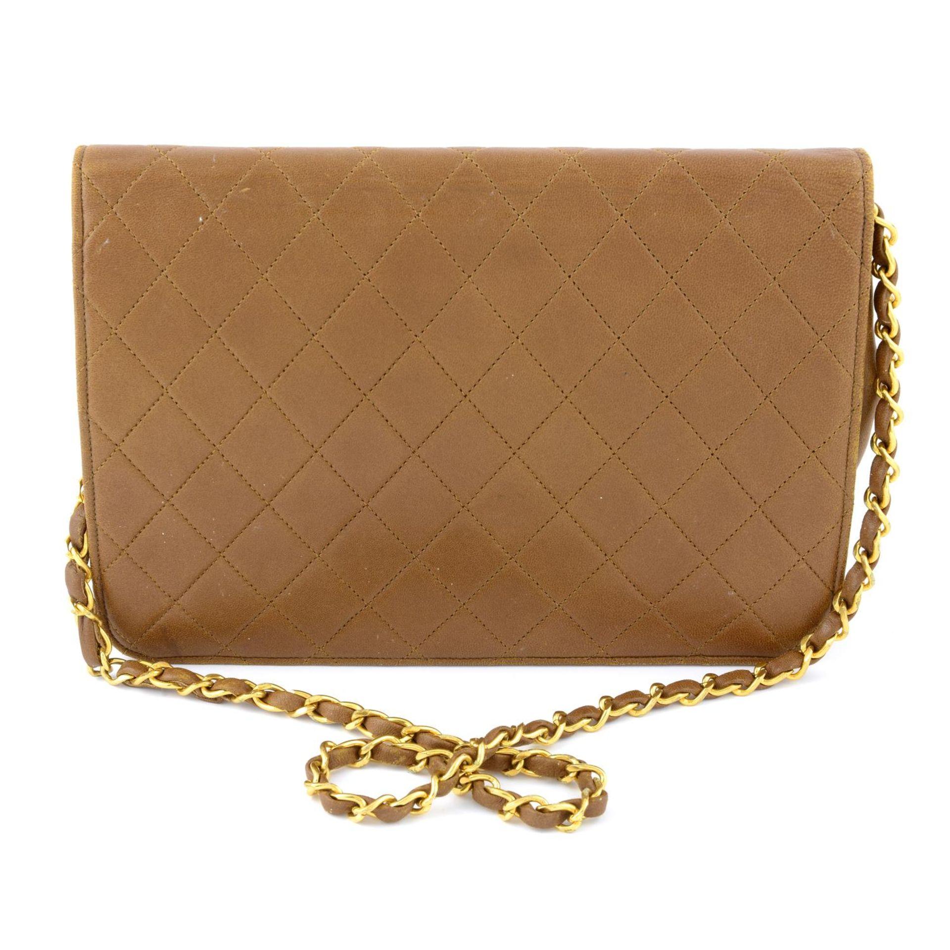 CHANEL - a vintage tan single flap handbag. - Image 2 of 5