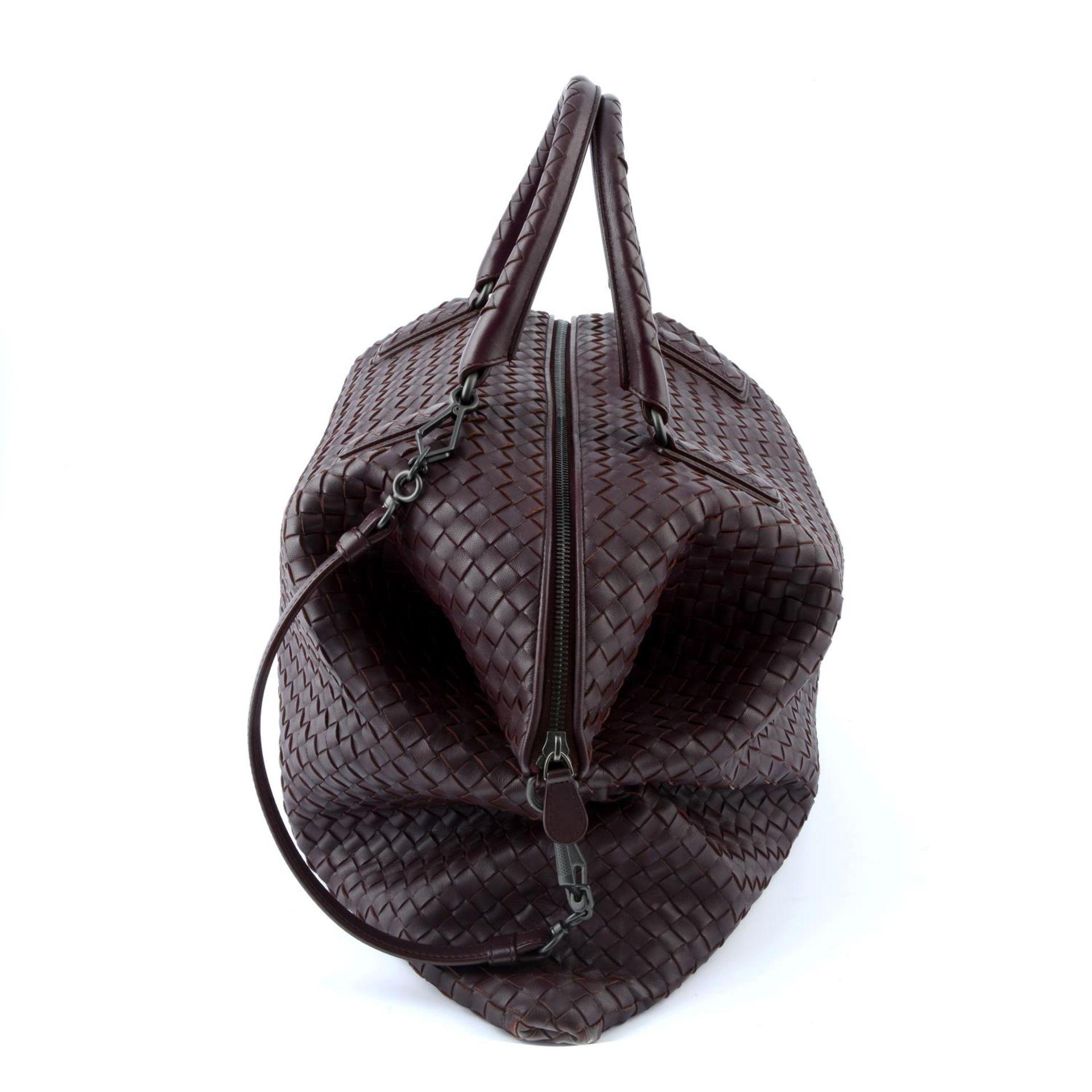 BOTTEGA VENETA - an XL fold over Nappa Intrecciato handbag. - Image 3 of 5
