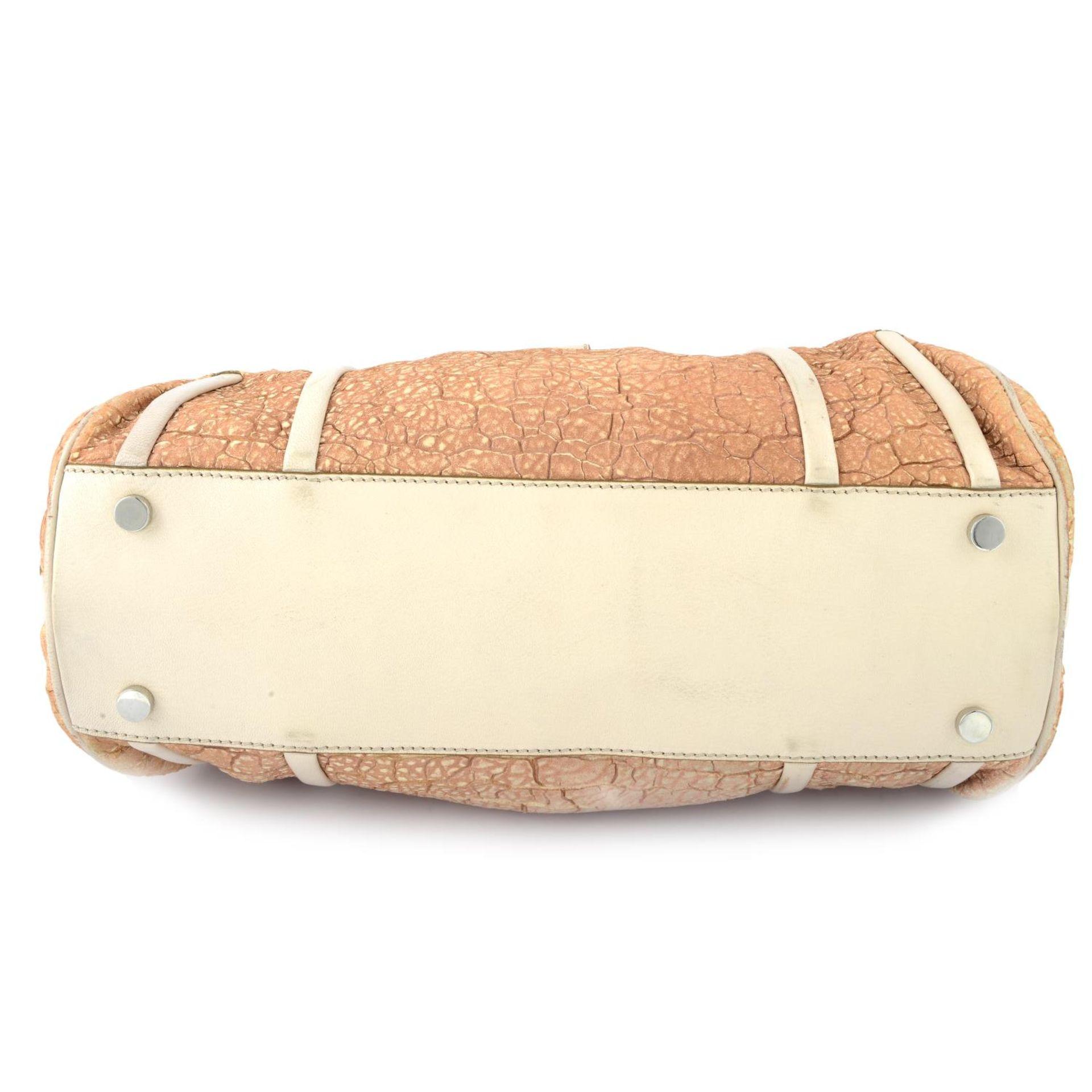CÉLINE - a nude textured leather handbag. - Image 3 of 4