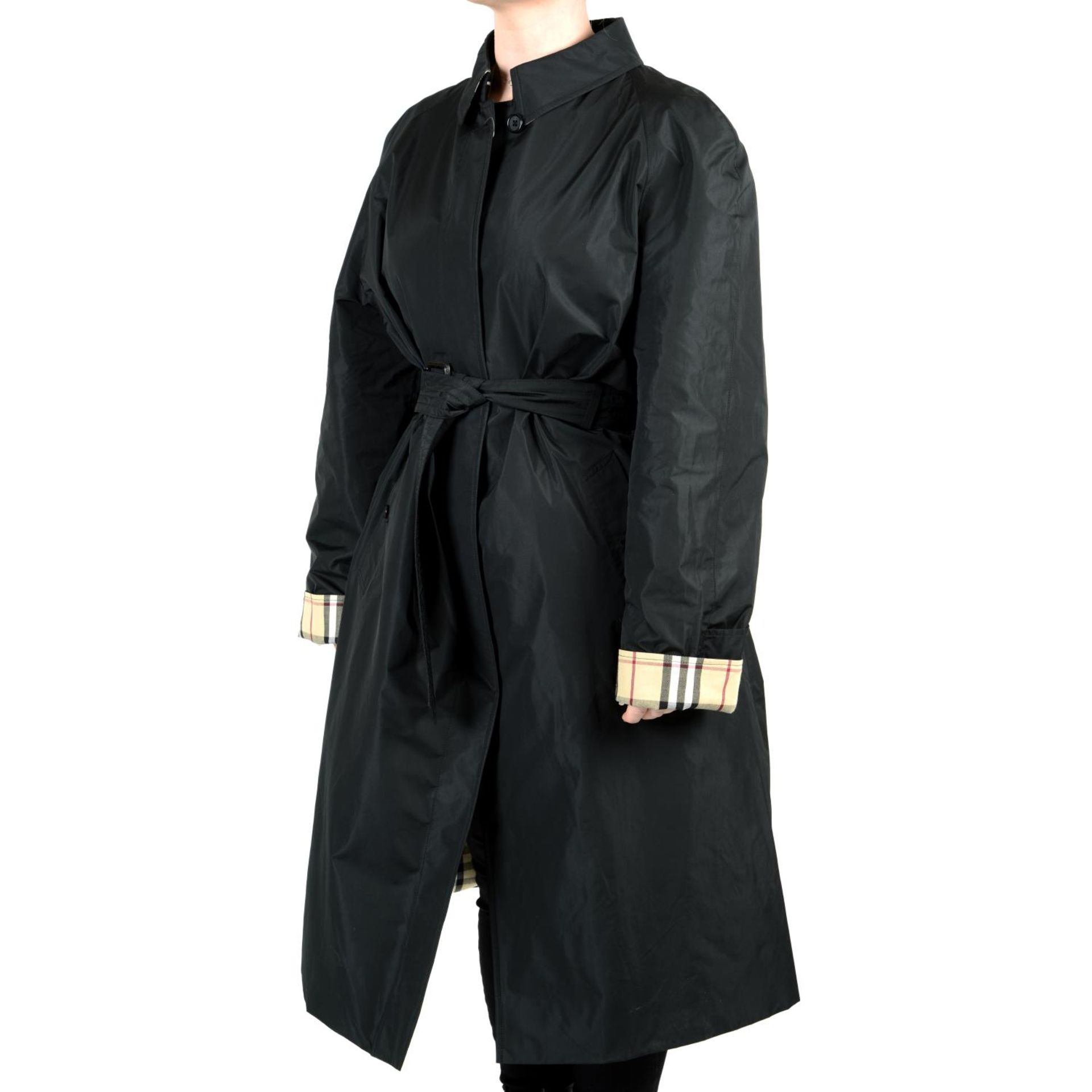 BURBERRY - a black raincoat. - Image 3 of 4