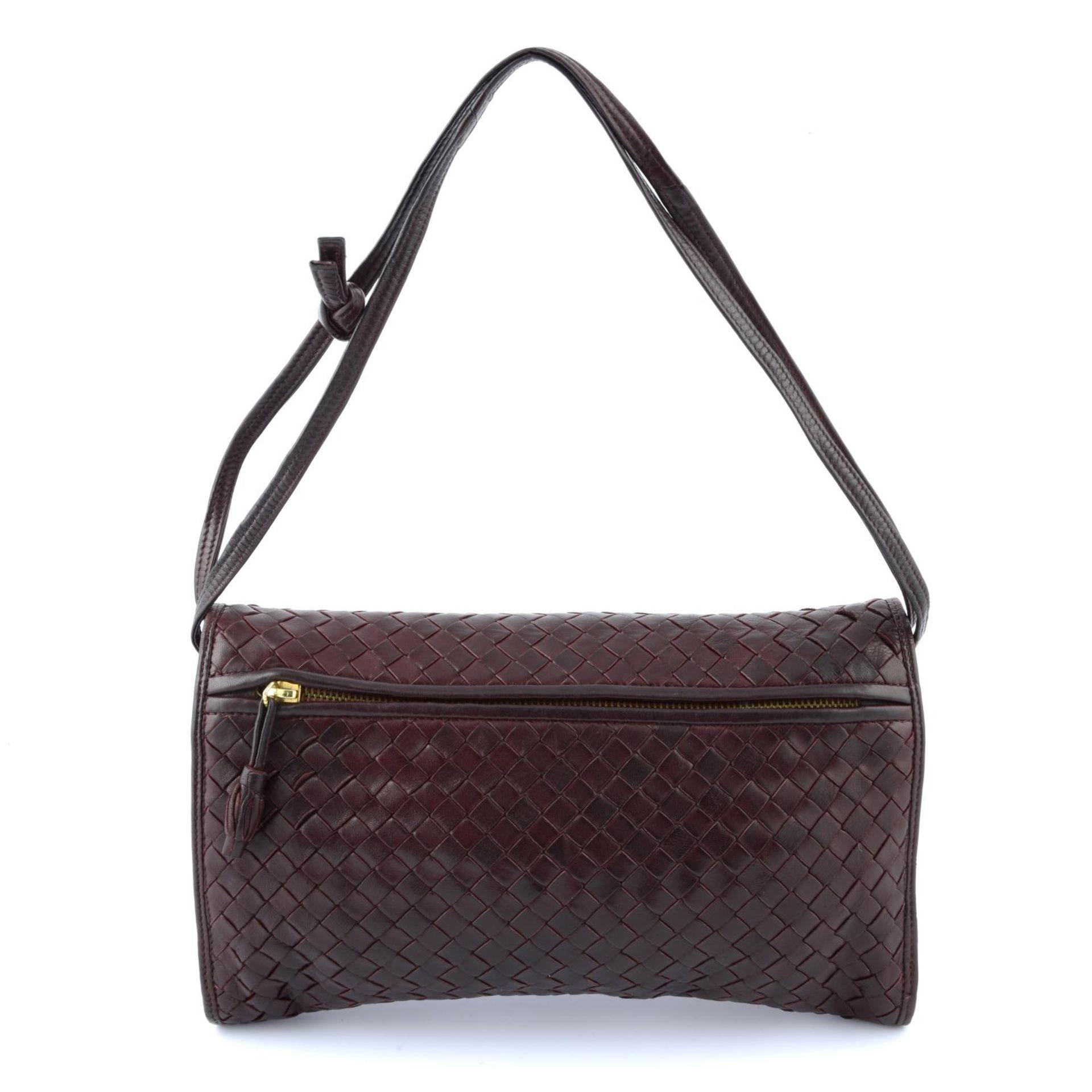 BOTTEGA VENETA - a woven fold-over crossbody handbag. - Image 2 of 3