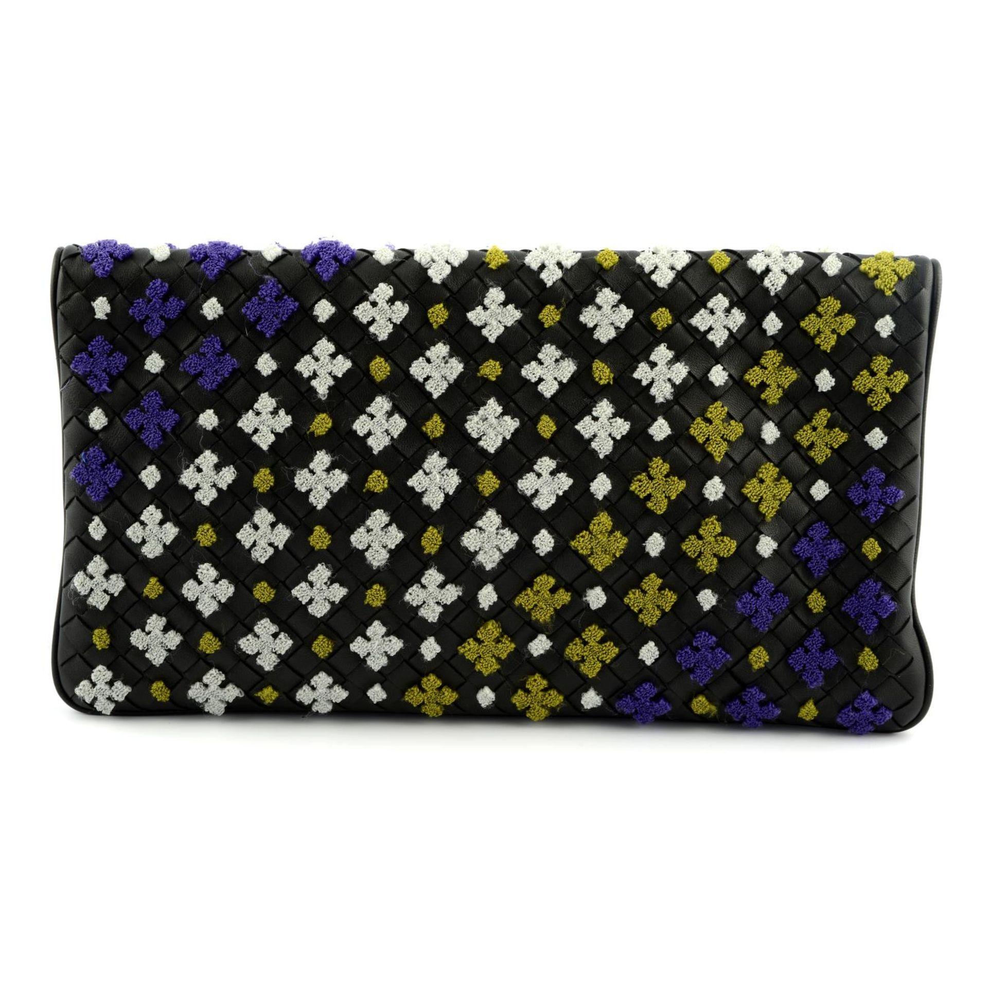 BOTTEGA VENETA - a Nero multicolour embroidered clutch. - Image 2 of 5