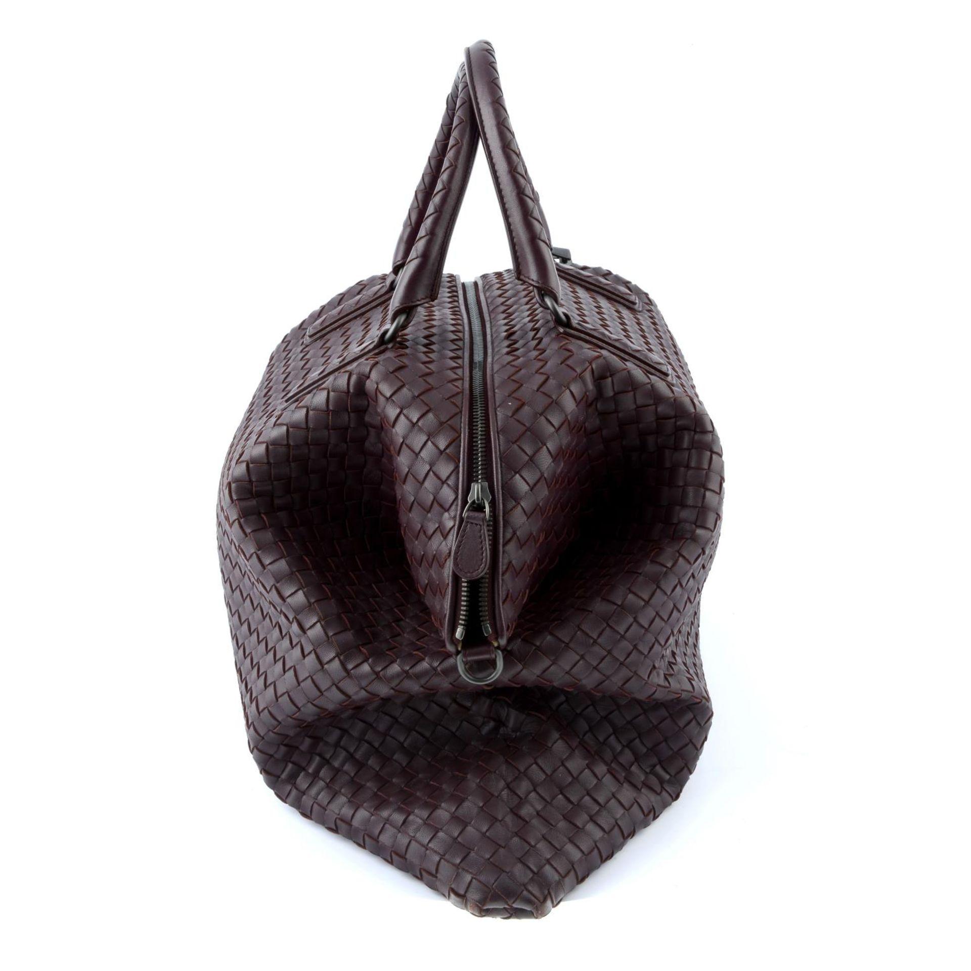 BOTTEGA VENETA - an XL fold over Nappa Intrecciato handbag. - Image 4 of 5