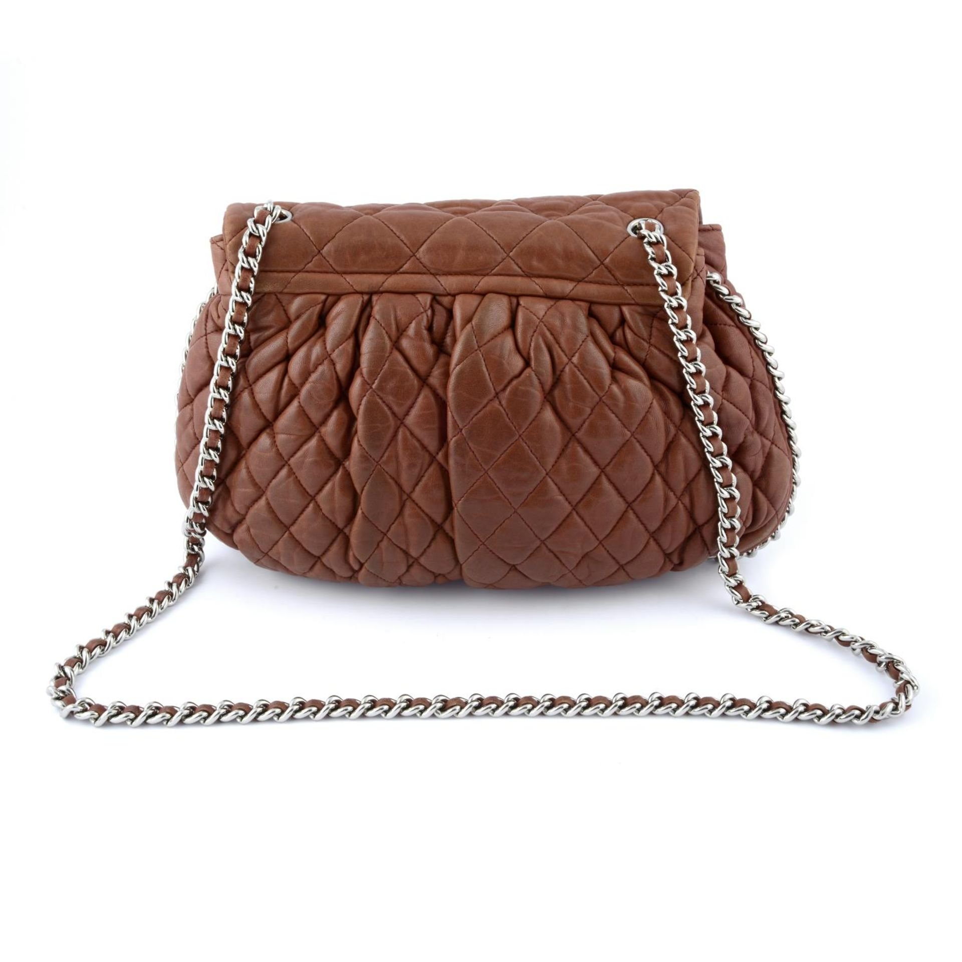CHANEL - a quilted lambskin leather chain around handbag. - Image 2 of 4