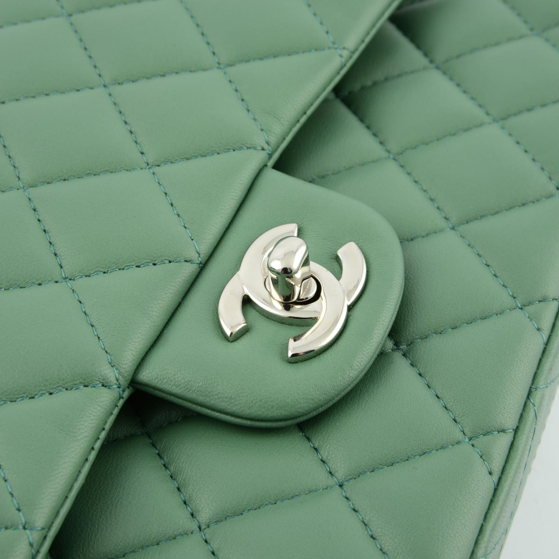 CHANEL - a green medium classic double flap handbag. - Image 6 of 7