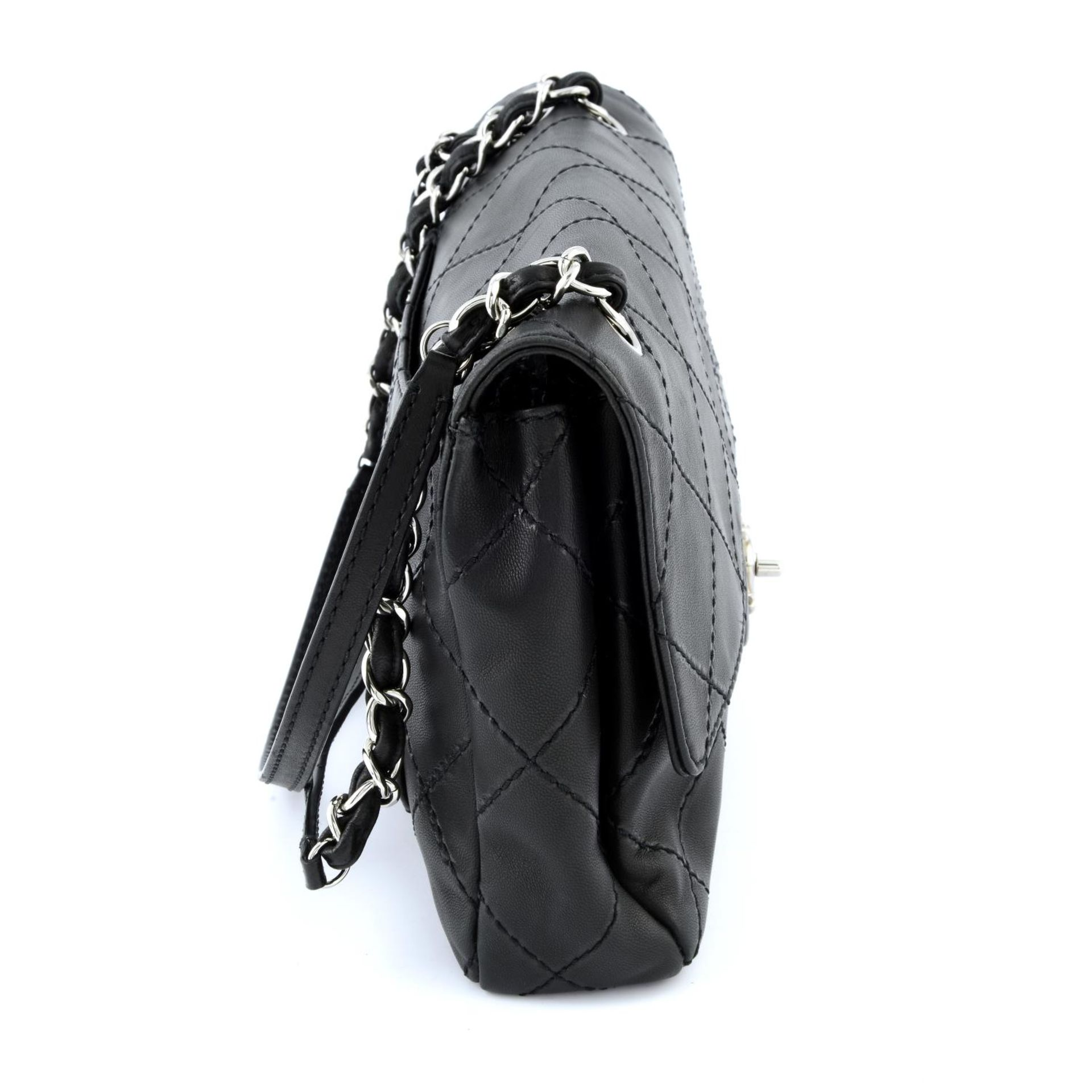 CHANEL - a maxi single flap handbag. - Image 3 of 5