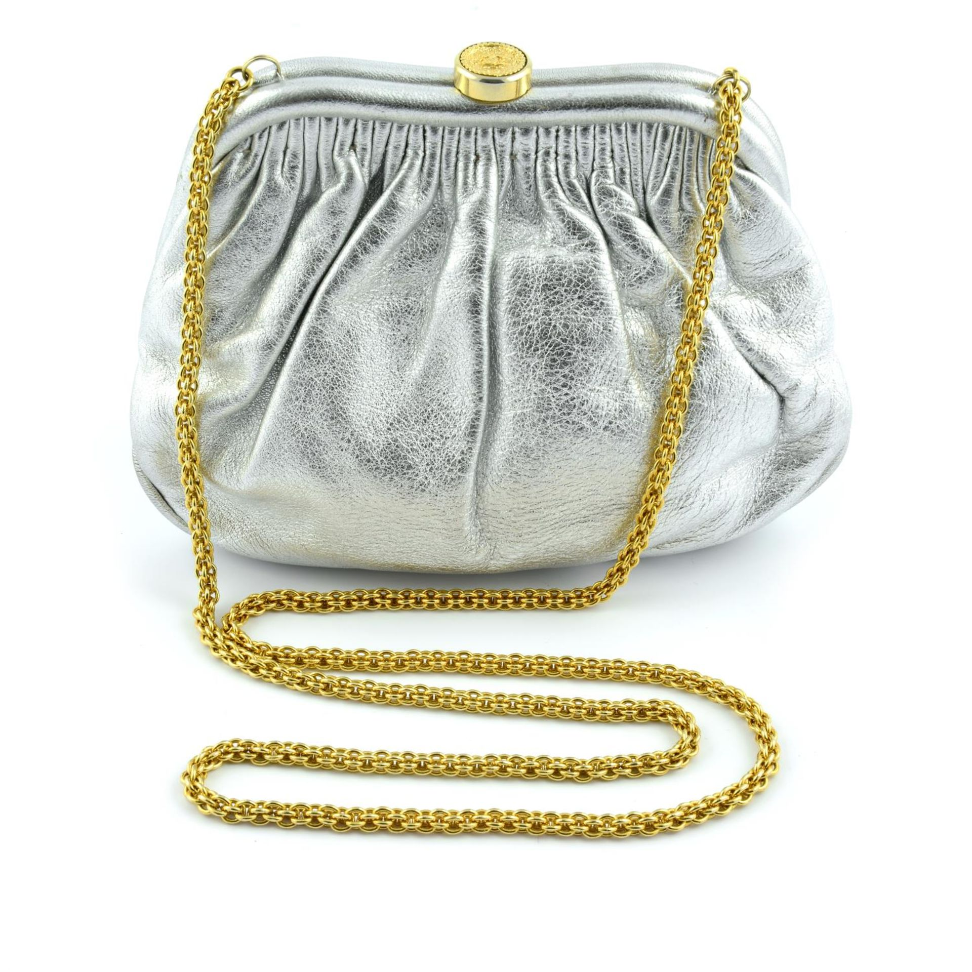 CHANEL - a vintage metallic kiss-lock clutch with chain. - Image 4 of 6