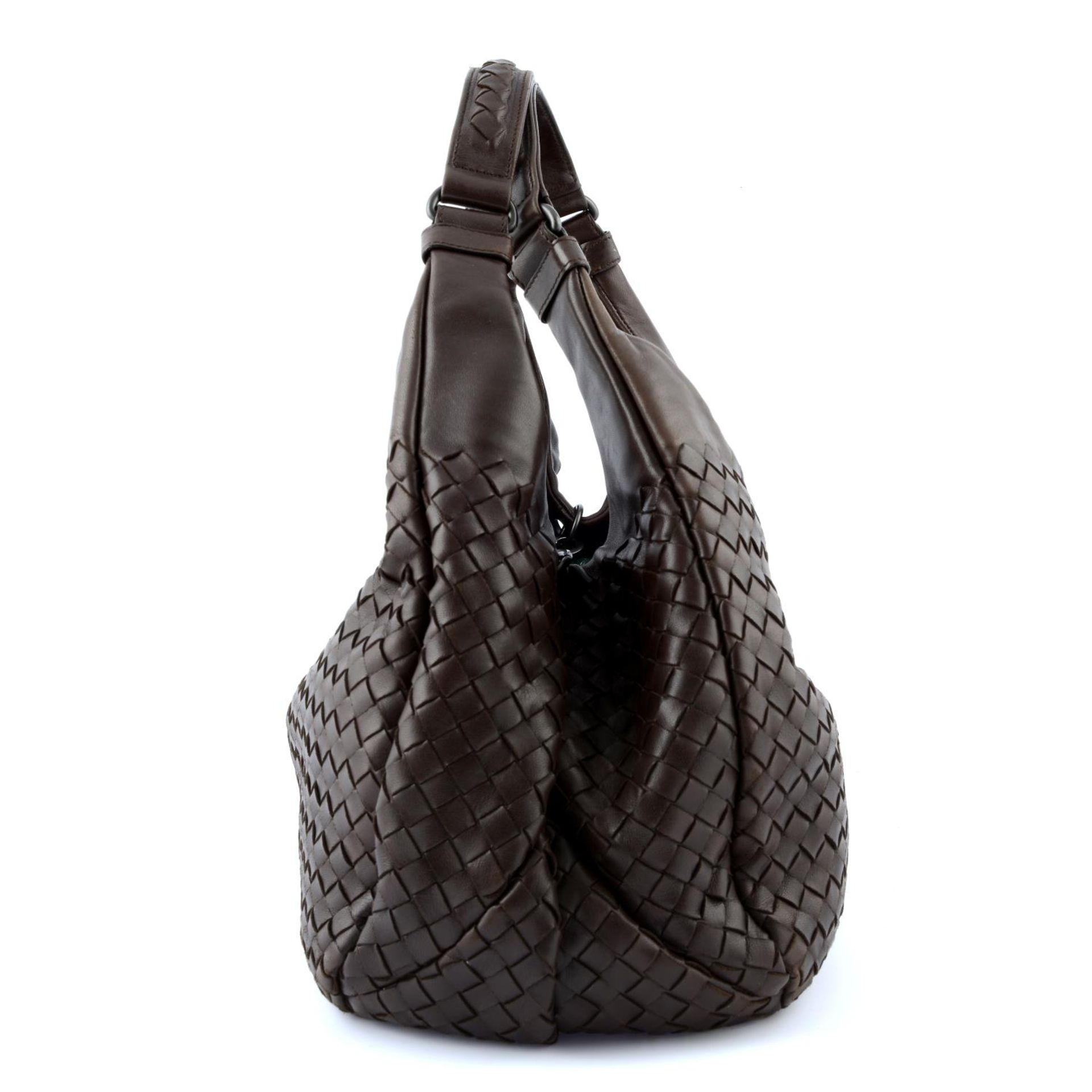 BOTTEGA VENETA - a woven leather Campana hobo handbag. - Image 5 of 6