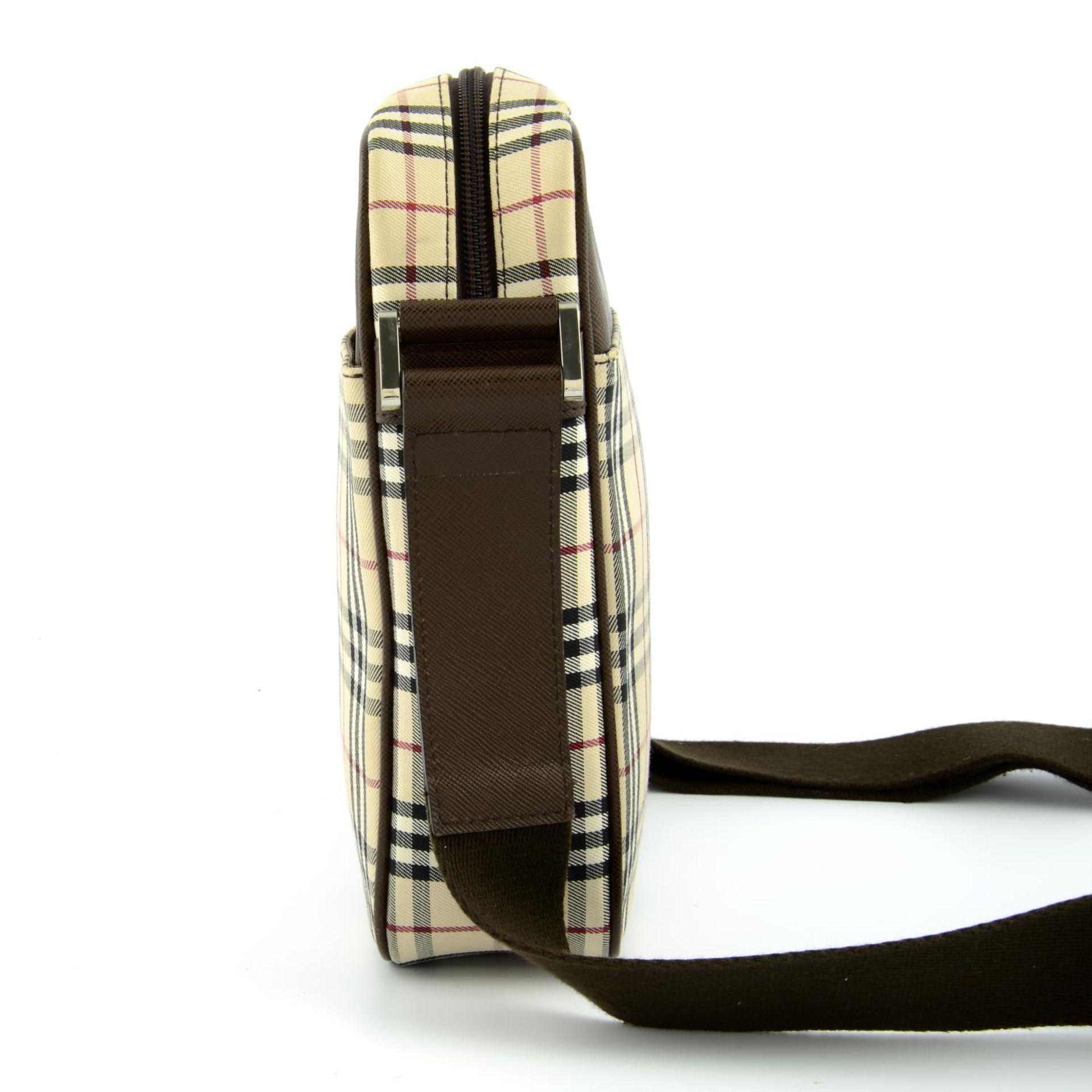 BURBERRY - a Nova Check crossbody messenger bag. - Image 4 of 5