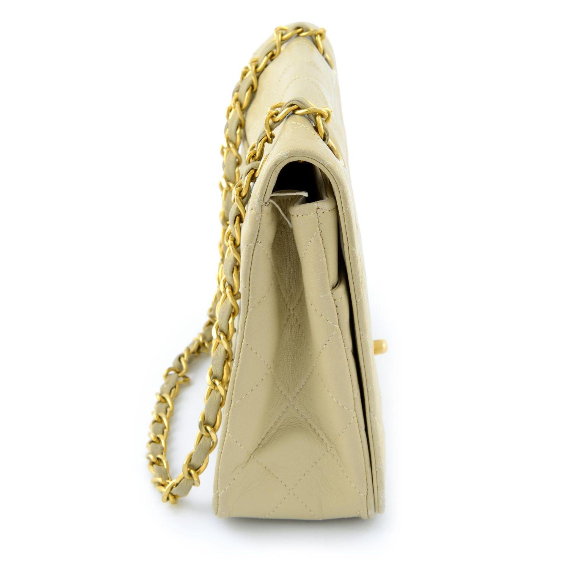 CHANEL - a nude vintage single flap handbag. - Image 3 of 5