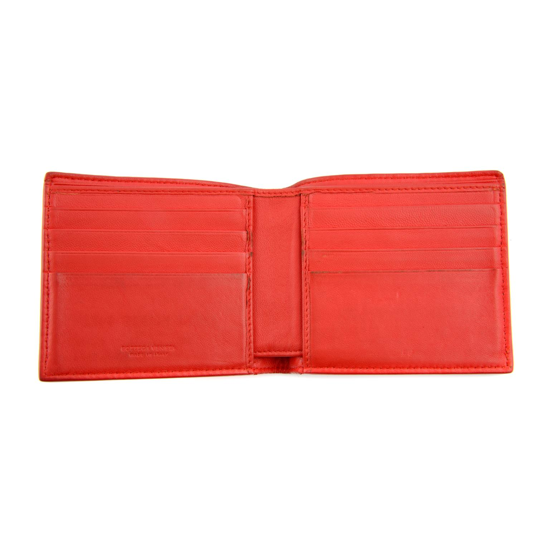 BOTTEGA VENETA - an Intrecciato leather bifold wallet. - Image 3 of 4