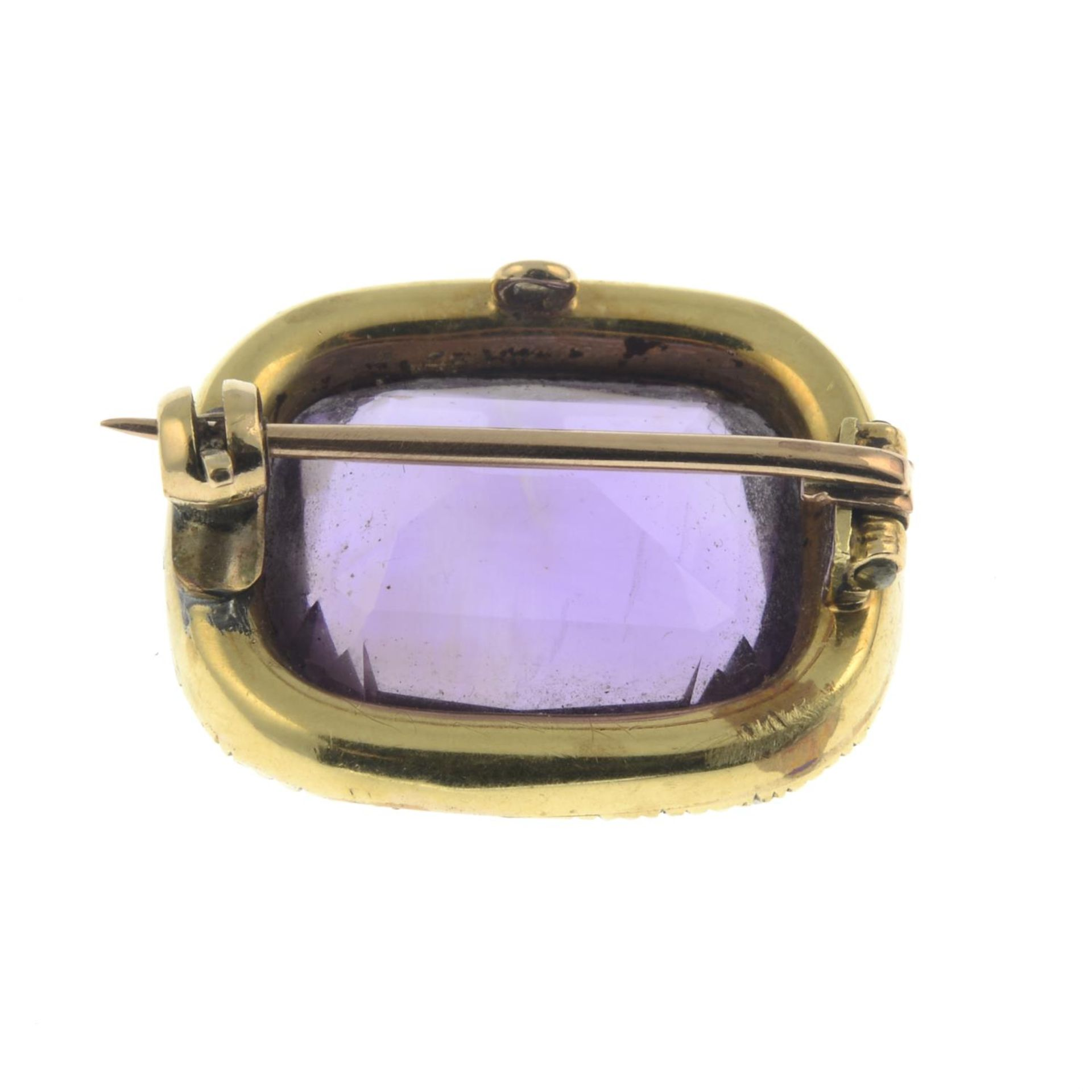 An amethyst and split pearl cluster brooch.Length 2cms. - Image 2 of 2