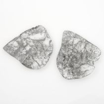 Two diamond slices.