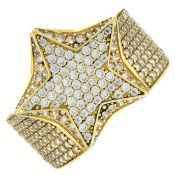 A cubic zirconia ring.Stamped 18K.