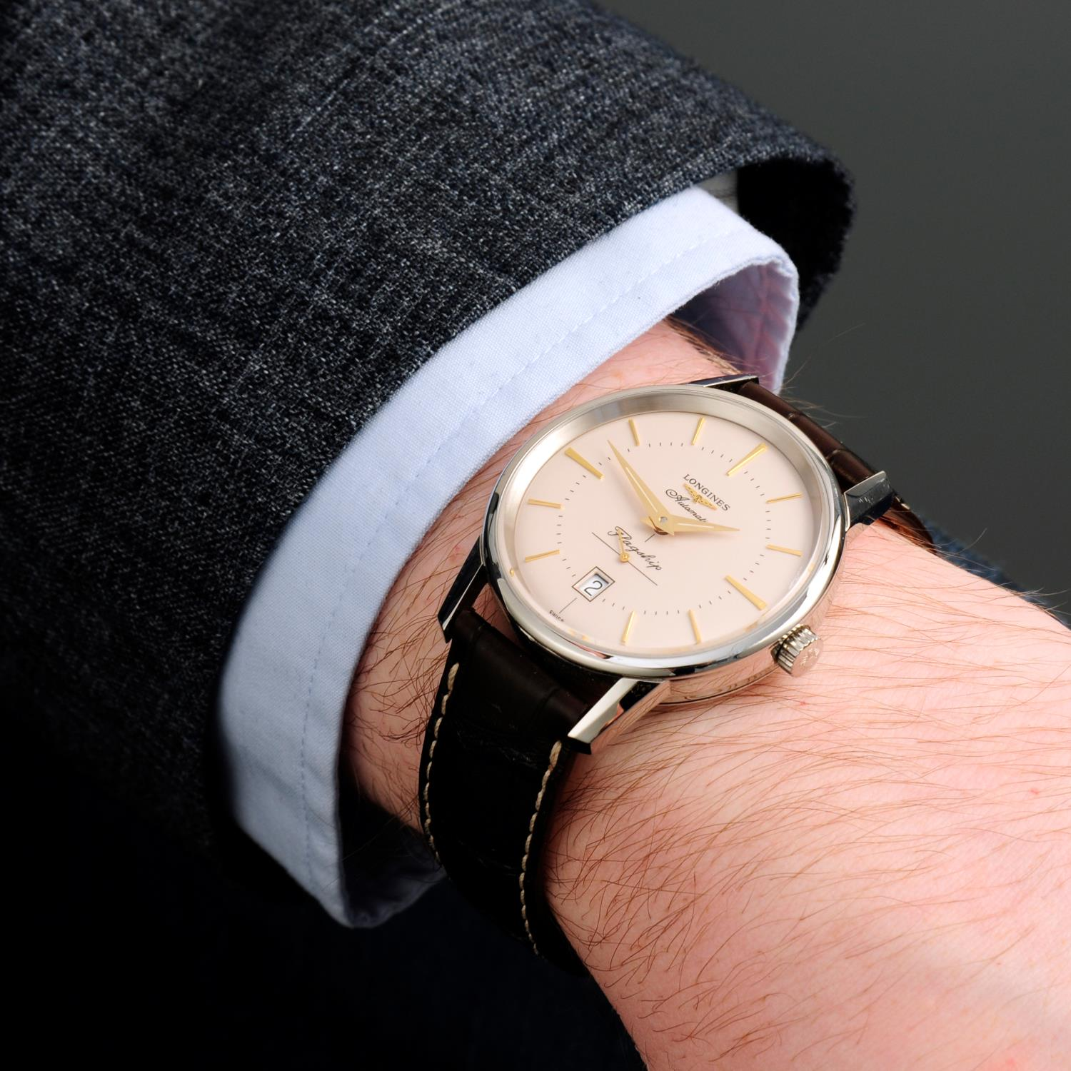 LONGINES - a Flagship wrist watch. - Image 3 of 6
