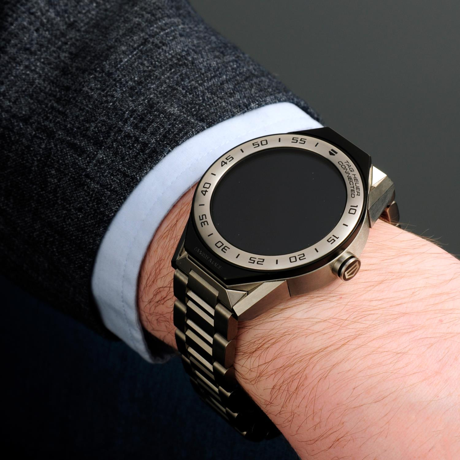 TAG HEUER - a Connected bracelet watch. - Image 3 of 6