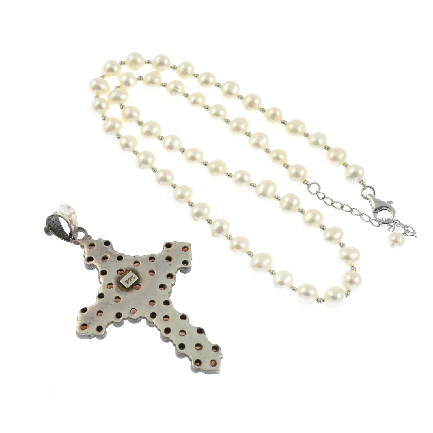 A garnet cross pendant and cultured pearl necklace.Stamped 925.Length of pendant 7.8cms. - Image 2 of 2