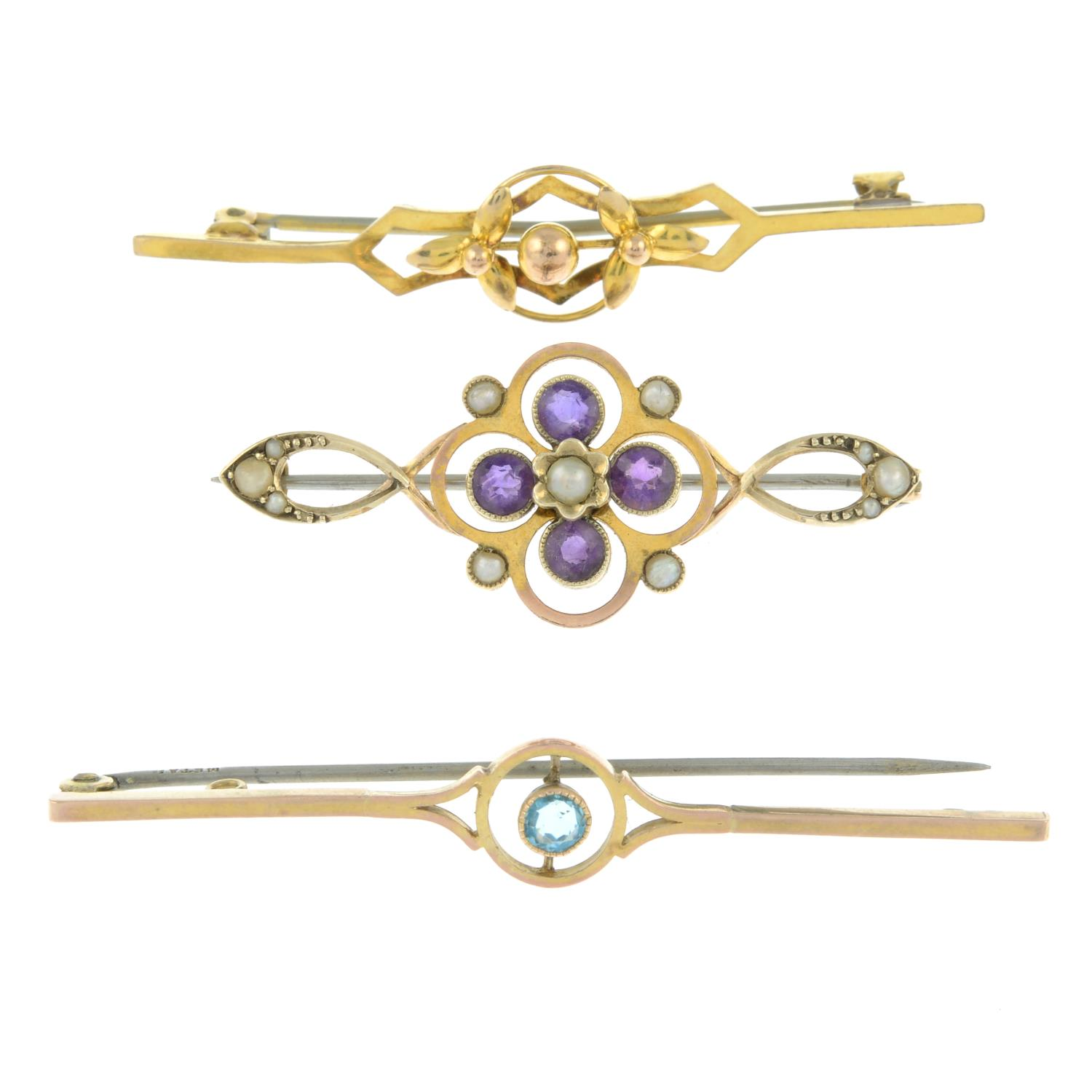 An amethyst and seed pearl brooch,