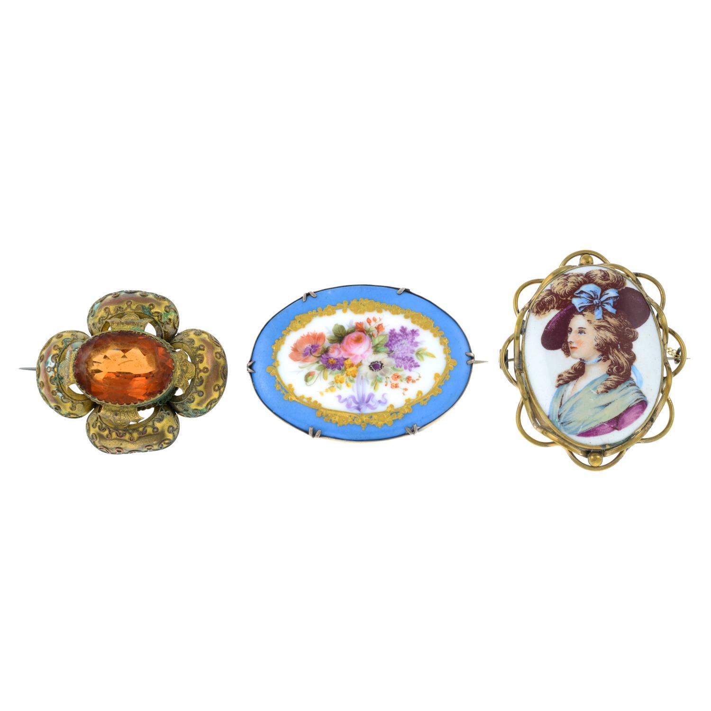 A necklace, two pendants,