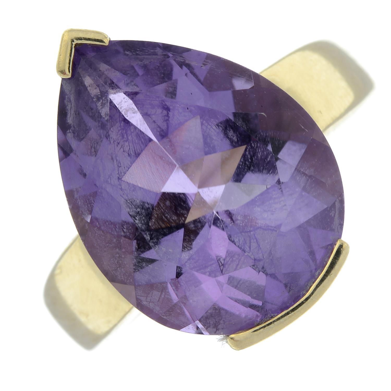 A 9ct gold amethyst ring.Hallmarks for Birmingham.