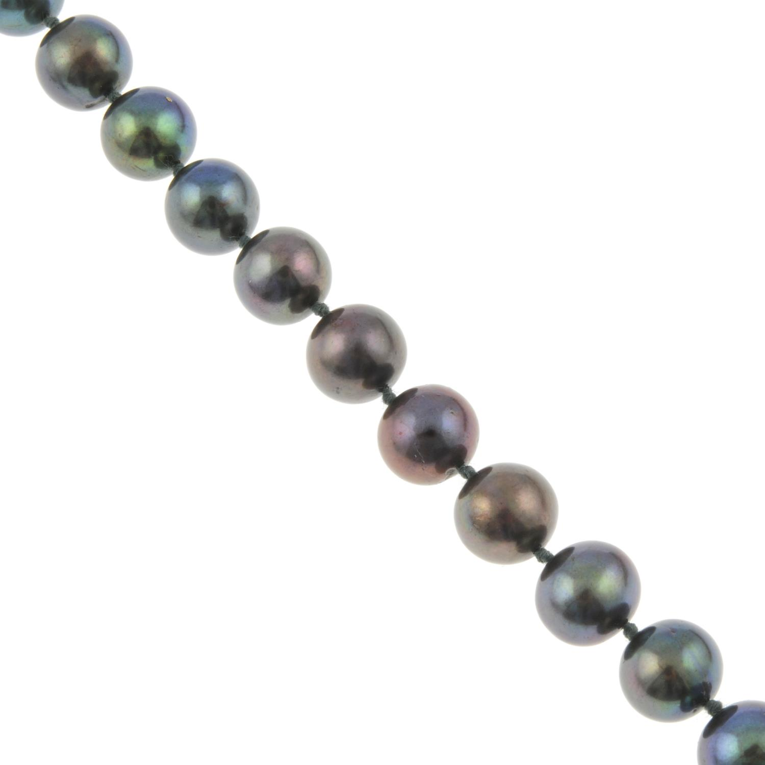 A black cultured freshwater pearl necklace.Claps stamped 925.Length of necklace 48.2cms.