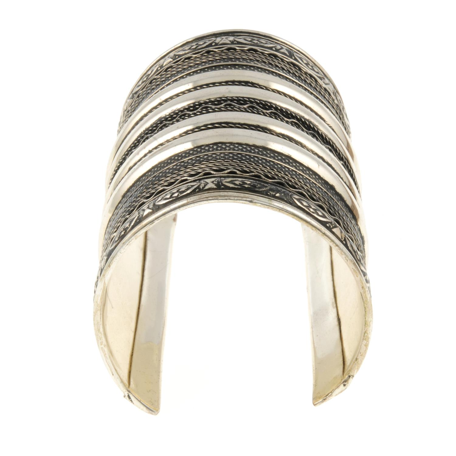 An elongated textured cuff bangle.Length 9.5cms. - Image 2 of 2