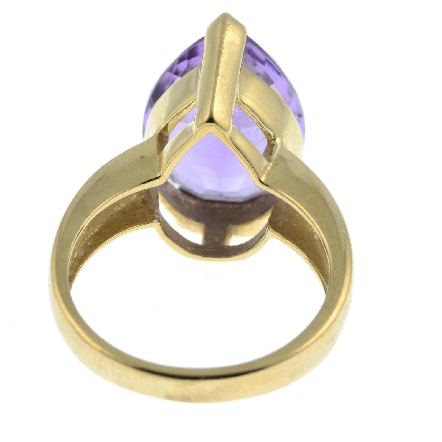 A 9ct gold amethyst ring.Hallmarks for Birmingham. - Image 3 of 3