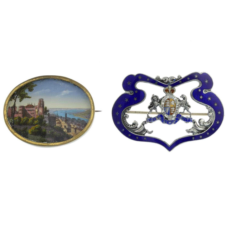 A ceramic and split pearl brooch,
