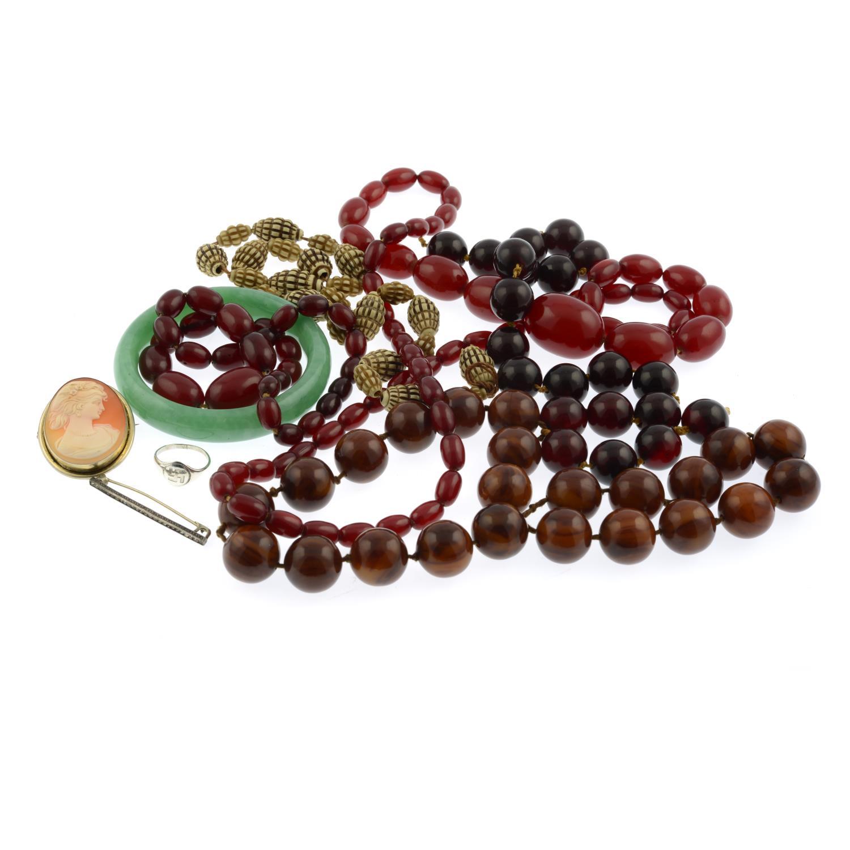 Four bakelite bead necklaces, - Image 2 of 2