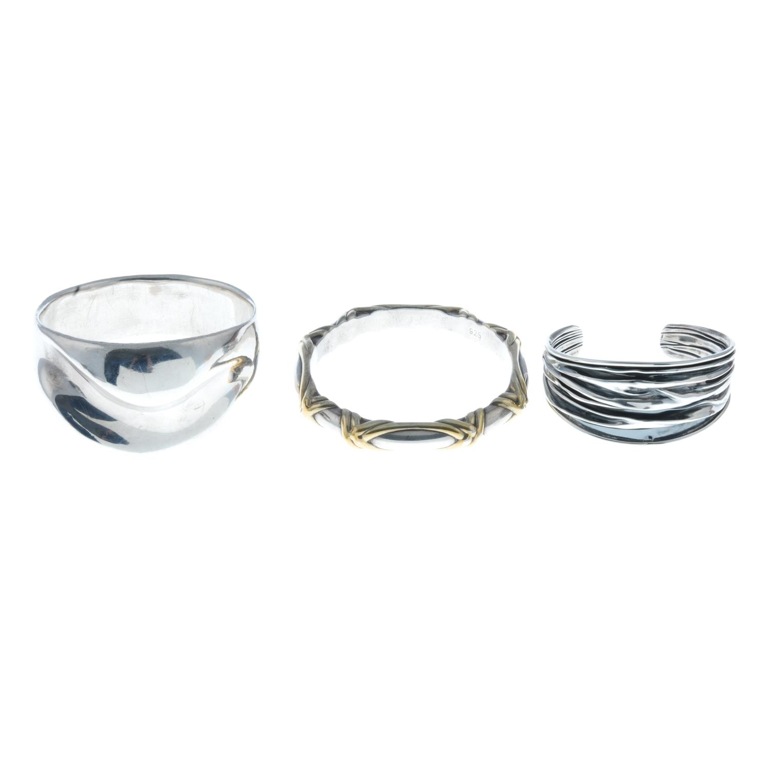 A selection of silver jewellery, to include a malachite and marcasite ring. - Image 2 of 4