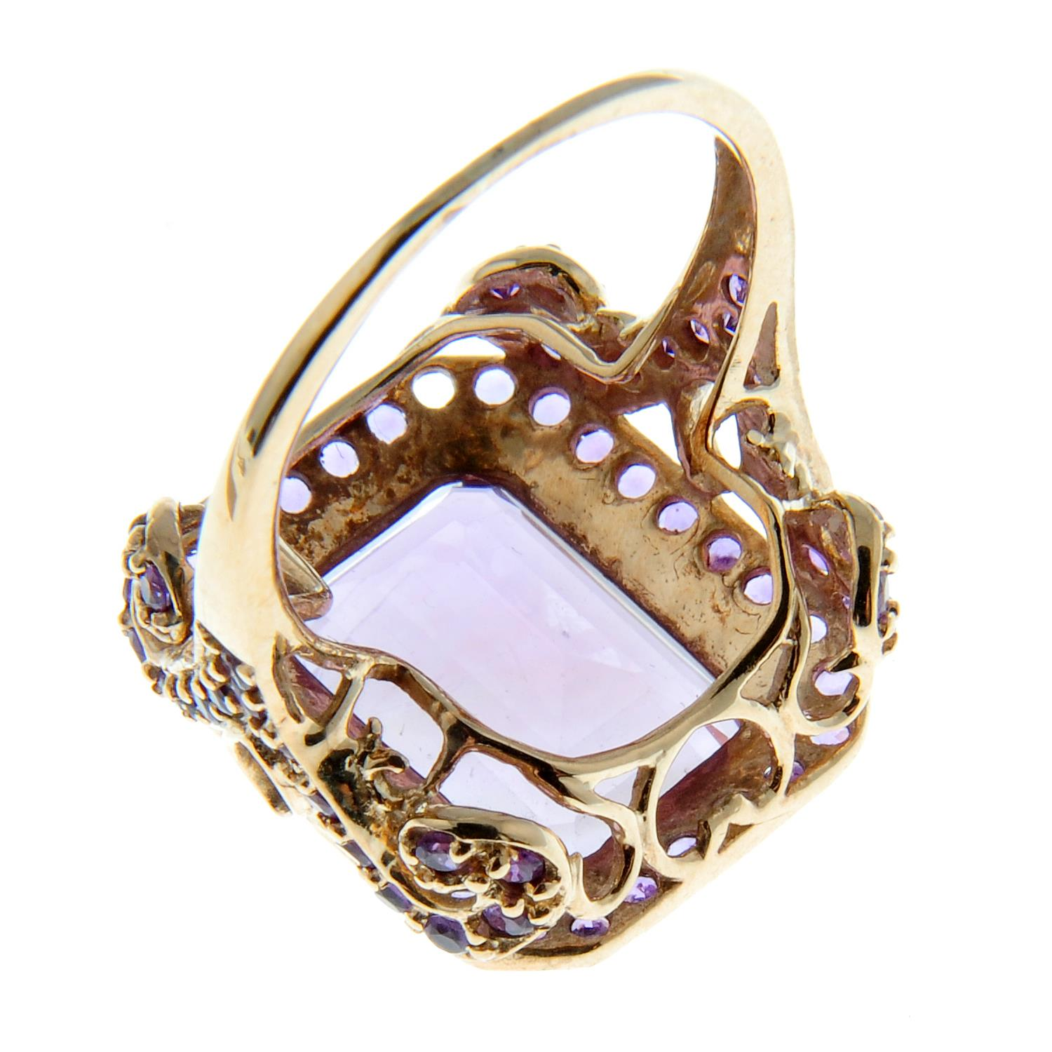 A 9ct gold amethyst dress ring. - Image 2 of 3