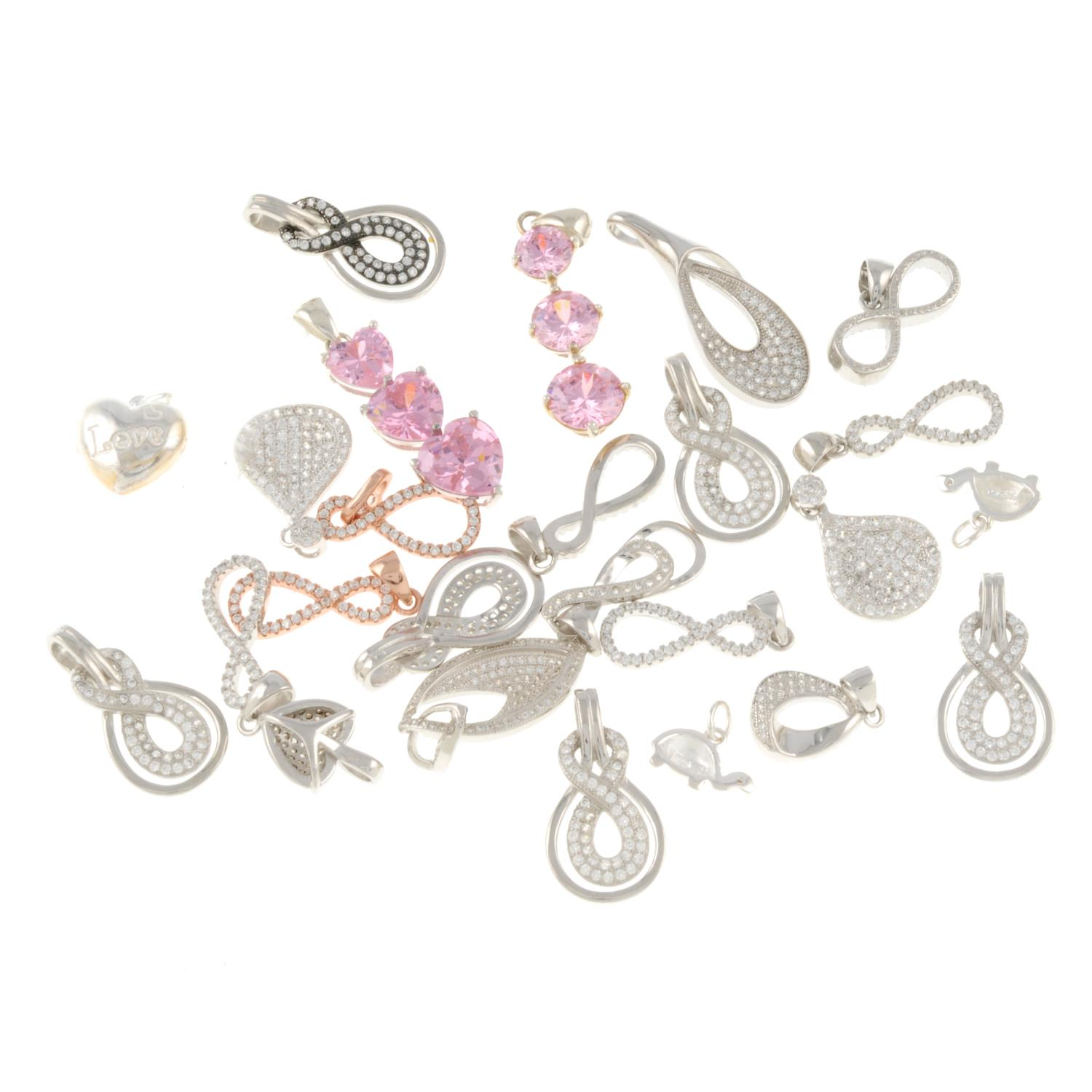 A selection of pendants, to include a pink cubic zirconia triple heart pendant. - Image 2 of 2