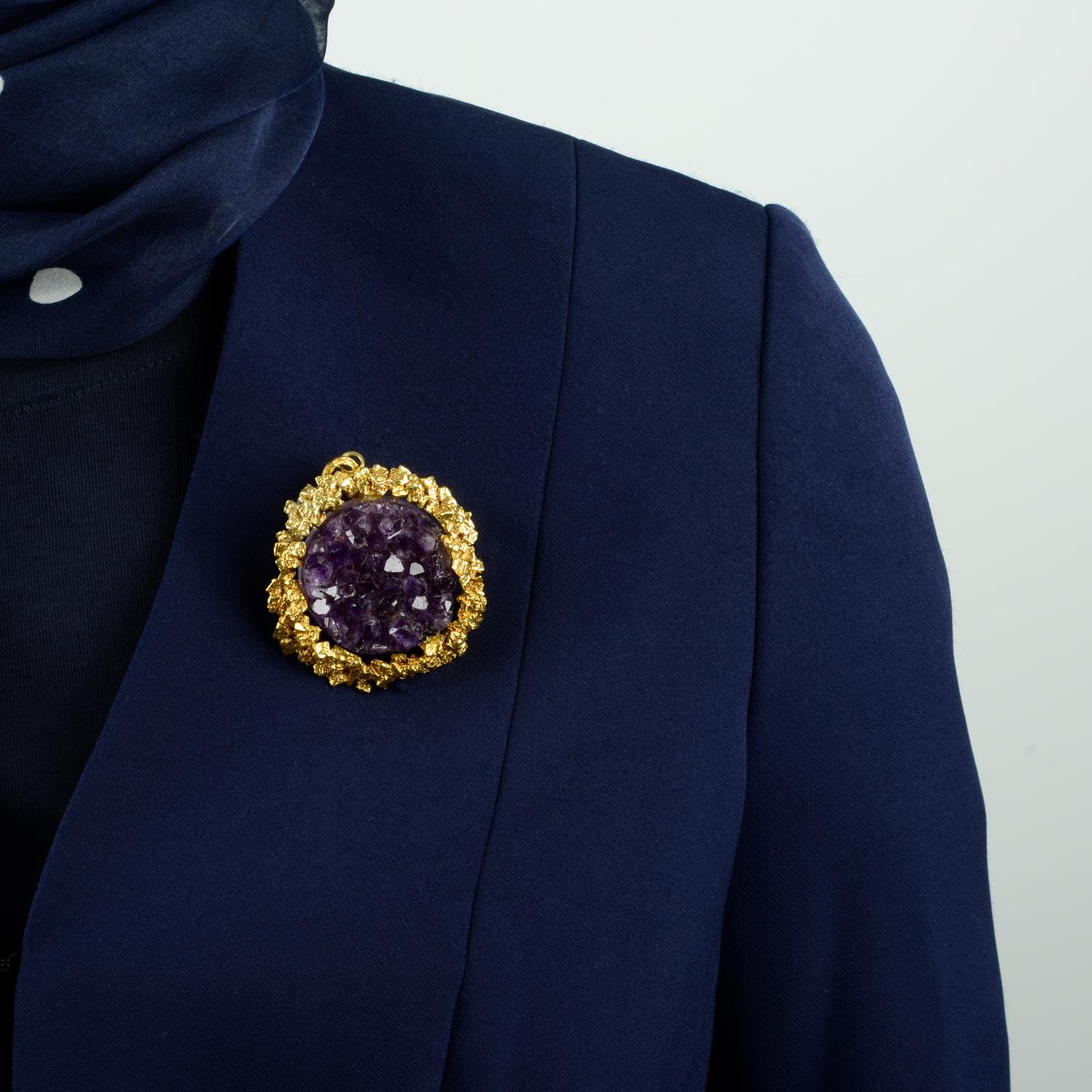 A 1970s gold amethyst druse abstract pendant.Length 7.4cms. - Image 3 of 4