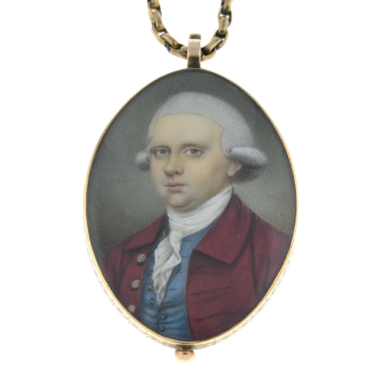 A Georgian portrait miniature locket of a gentleman in a red coat, - Image 2 of 5