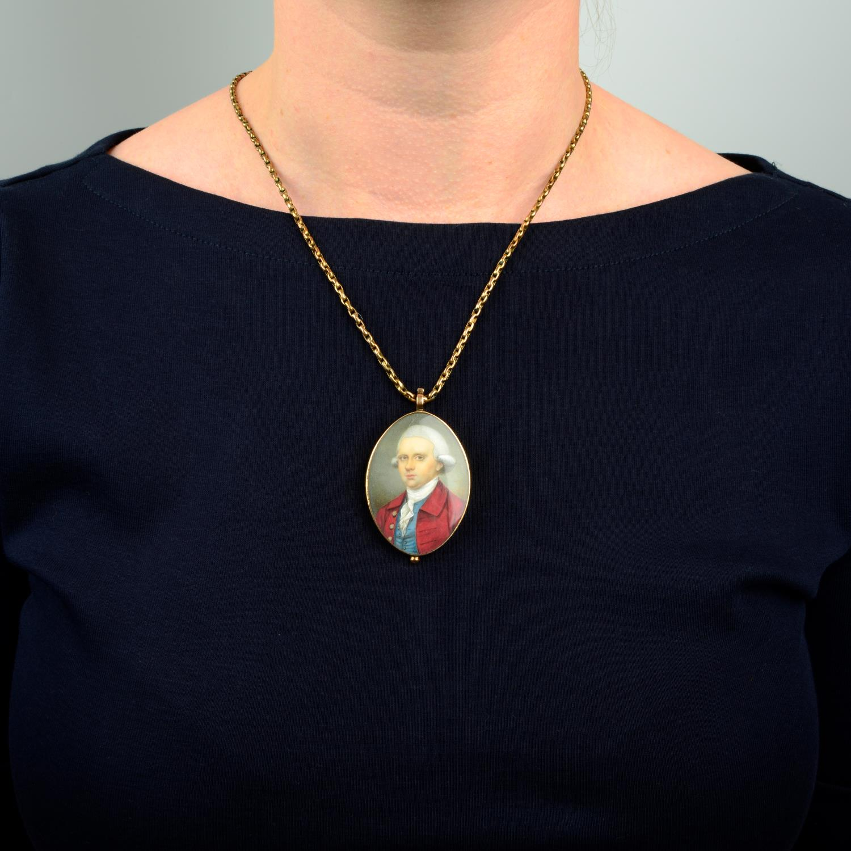 A Georgian portrait miniature locket of a gentleman in a red coat, - Image 3 of 5
