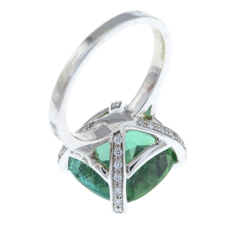 A green tourmaline dress ring, - Image 4 of 6