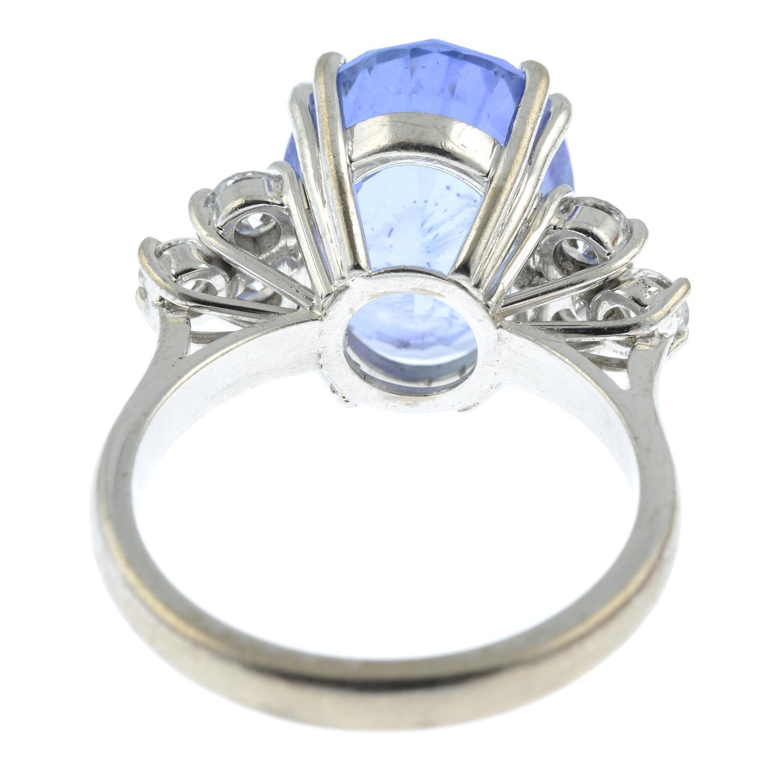 A Sri Lankan sapphire and diamond ring. - Image 5 of 7