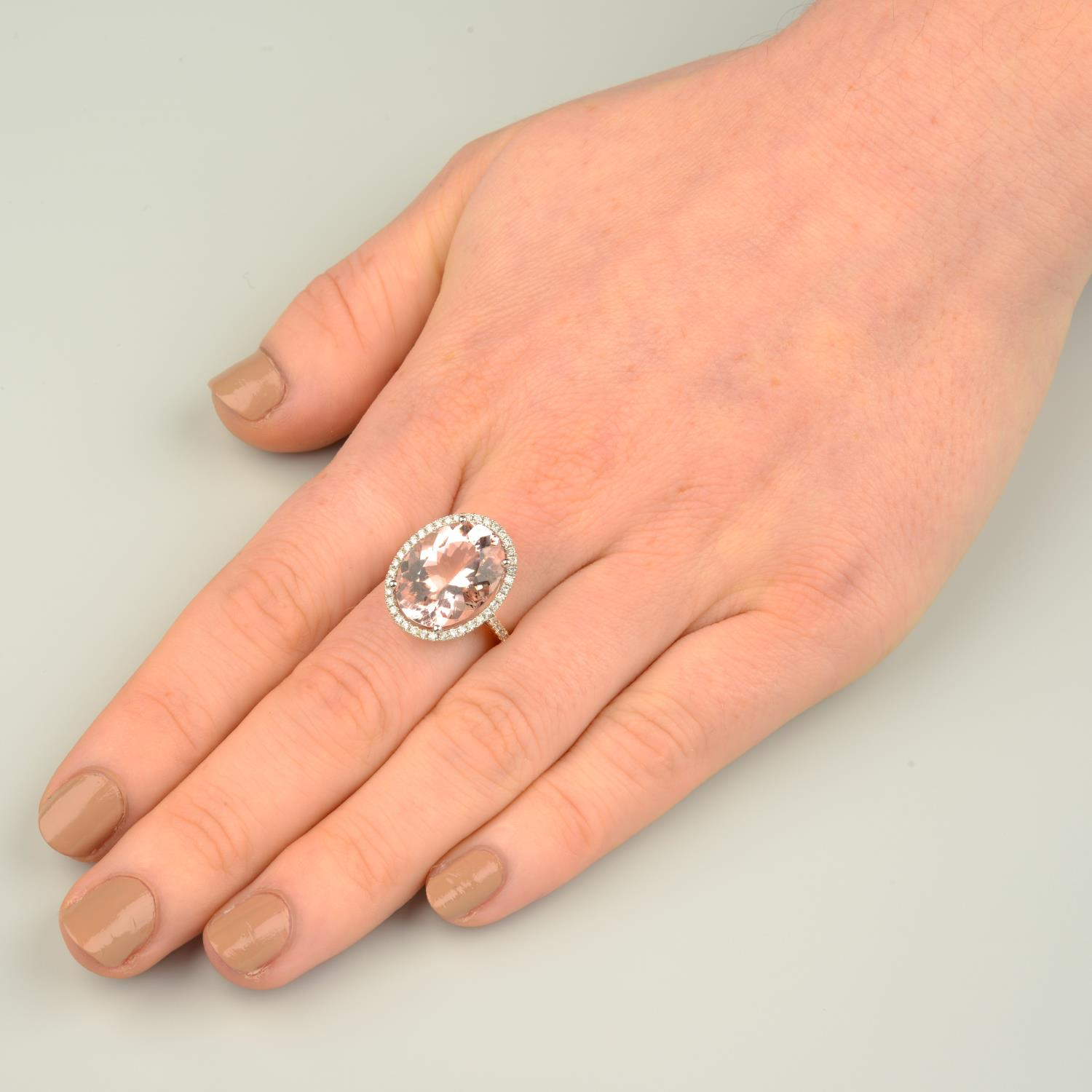 An 18ct gold morganite and diamond cluster ring. - Image 3 of 7