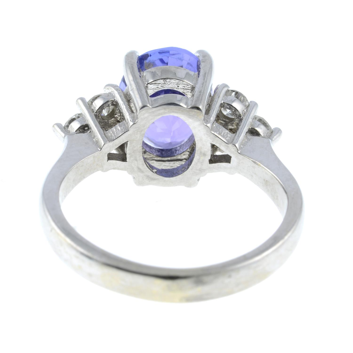 A tanzanite and diamond ring.Tanzanite calculated weight 2.72cts, - Image 5 of 6
