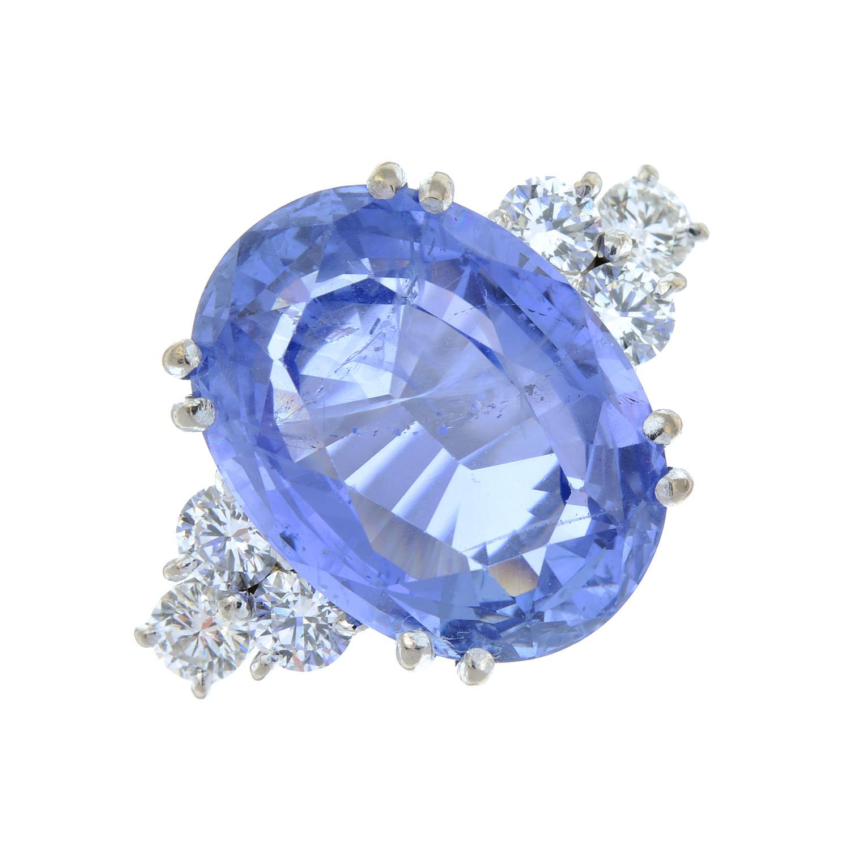 A Sri Lankan sapphire and diamond ring. - Image 2 of 7
