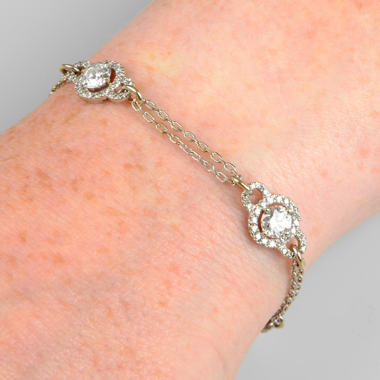 A brilliant-cut diamond cluster bracelet.Estimated total diamond weight 3cts,