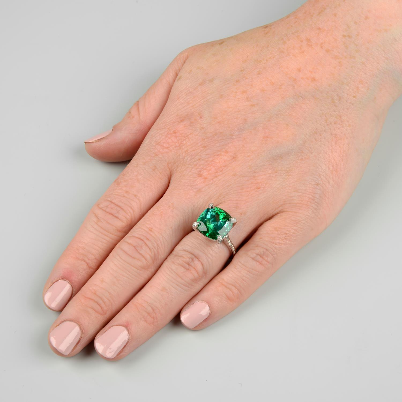 A green tourmaline dress ring, - Image 3 of 6