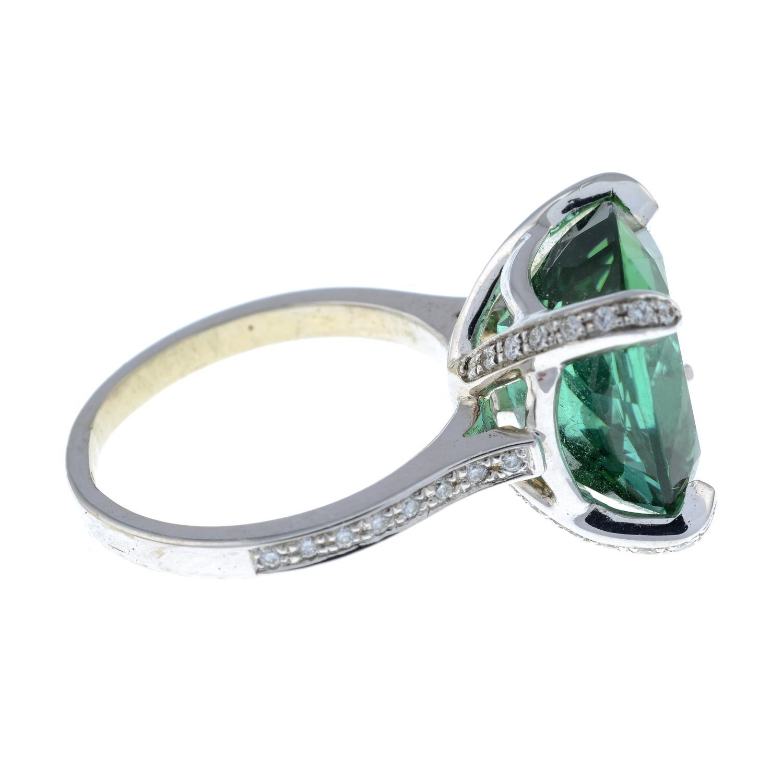 A green tourmaline dress ring, - Image 6 of 6