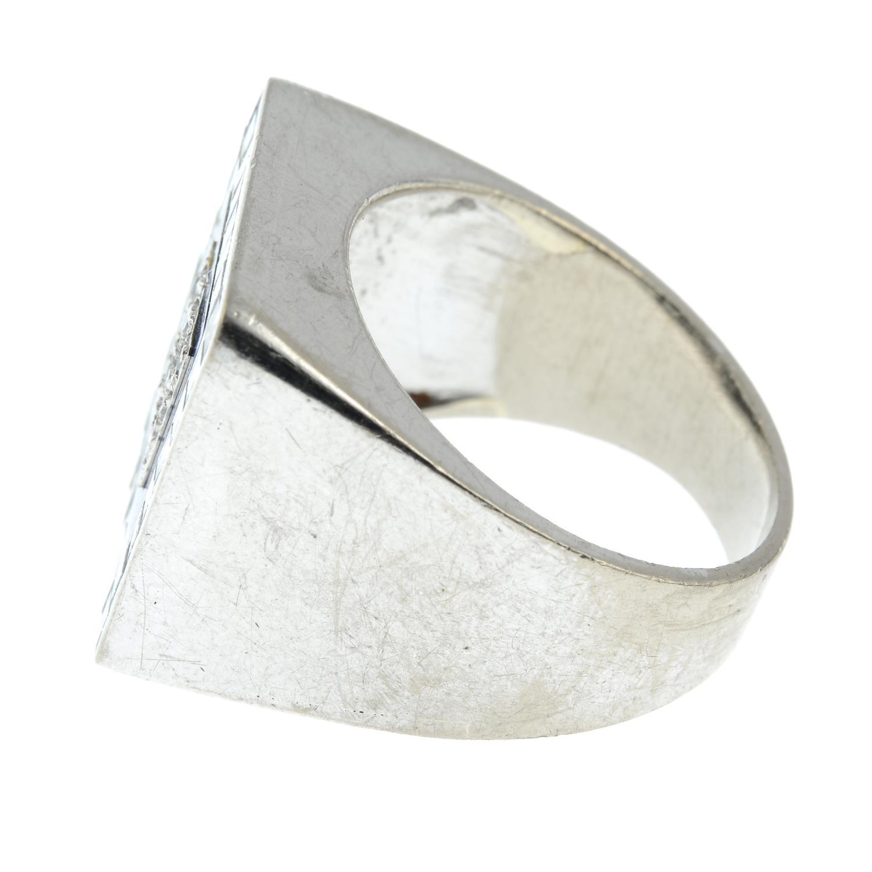 A diamond and lapis lazuli ring, - Image 4 of 7
