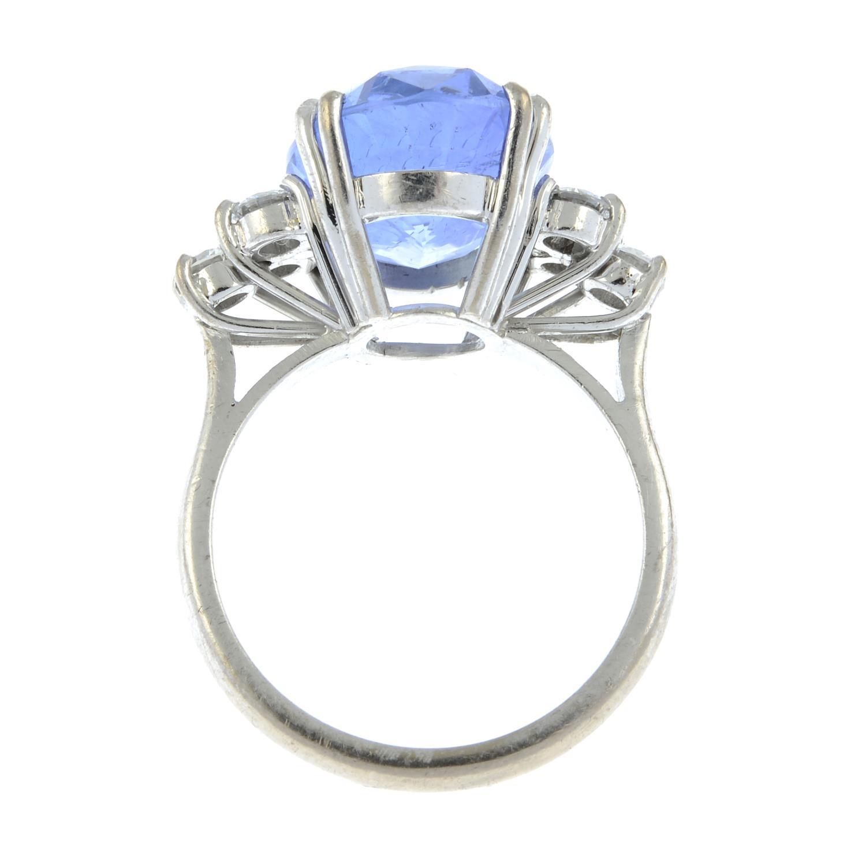 A Sri Lankan sapphire and diamond ring. - Image 6 of 7