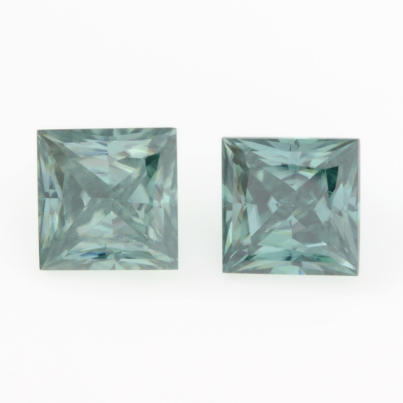 A pair of square-shape green synthetic moissanite, total weight 4.26cts.