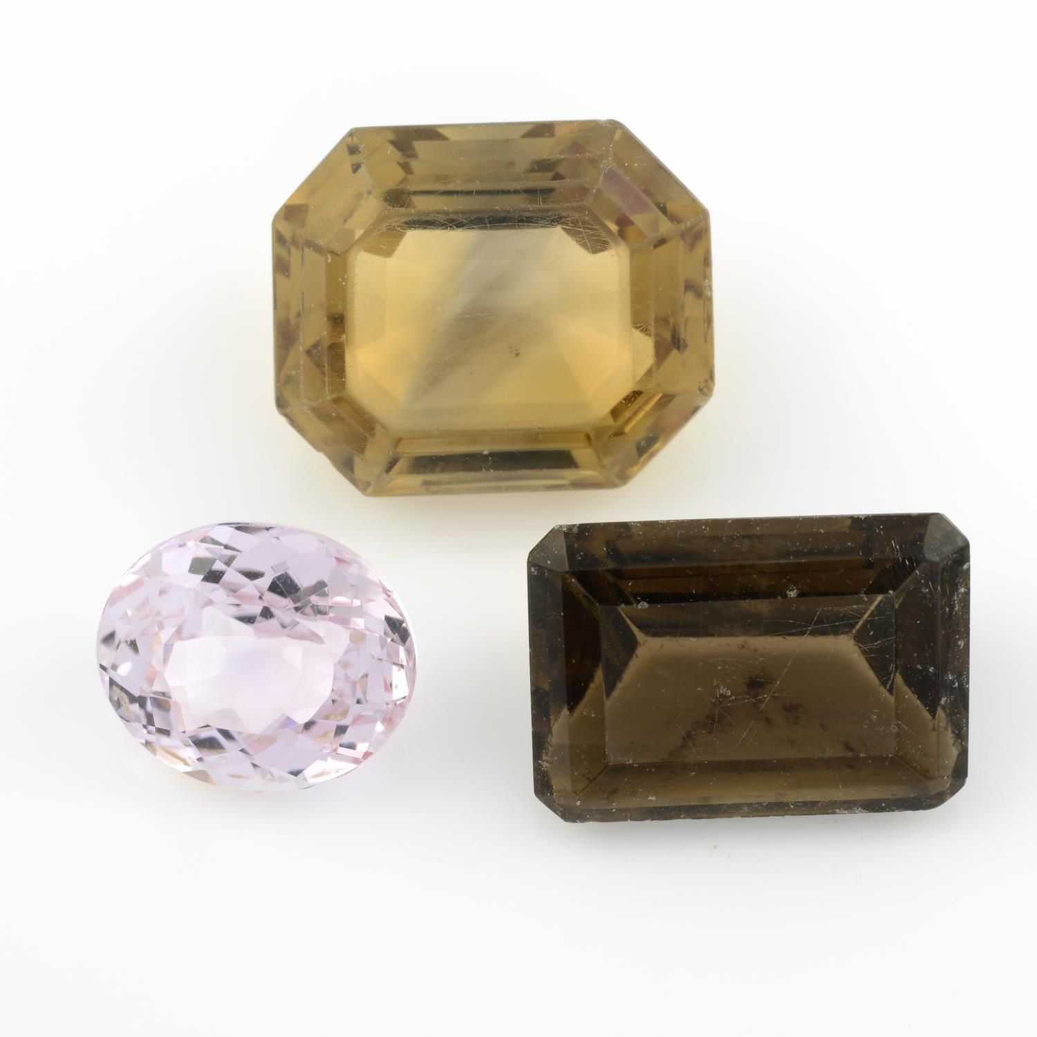 A selection of gemstones, to include predominantly smoky quartz, weighing 307gms.