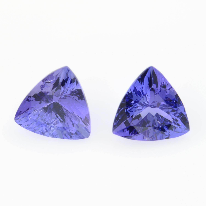 Pair of triangular shape tanzanites,